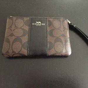 COACH Leather Corner Zip Wristlet in Black/Brown